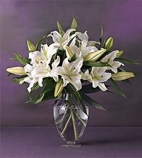 Konya hediye sevgilime hediye çiçek  4 dal cazablanca vazo çiçeği