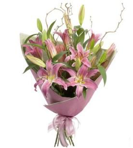 Konya hediye sevgilime hediye çiçek  3 dal cazablanca buket çiçeği