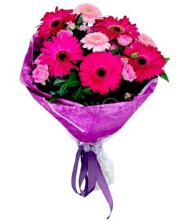 Konya çiçek gönderme sitemiz güvenlidir  karışık gerbera çiçeği buketi