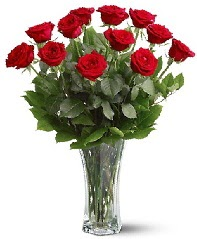 11 adet kırmızı gül vazoda  Konya çiçekçi telefonları