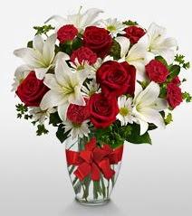Eşsiz vazo tanzimi güller kazablankalar  Konya çiçek , çiçekçi , çiçekçilik