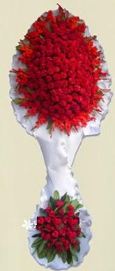 Çift katlı kıpkırmızı düğün açılış çiçeği  Konya internetten çiçek satışı