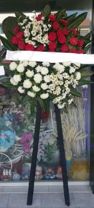Cenaze çiçeği cenaze çiçek modelleri  Konya çiçek gönderme sitemiz güvenlidir