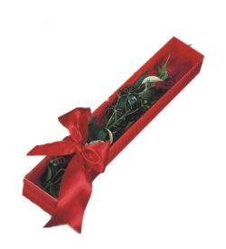 Konya internetten çiçek siparişi  tek kutu gül sade ve sik