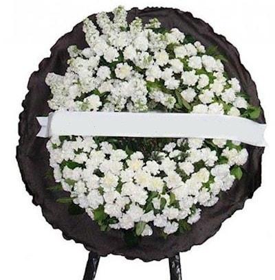 Cenaze çelengi çiçeği modelleri  Konya çiçek yolla