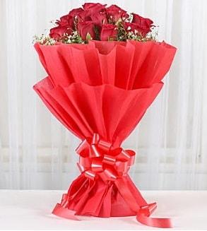 12 adet kırmızı gül buketi  Konya çiçek yolla , çiçek gönder , çiçekçi