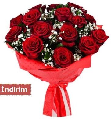 12 Adet kırmızı aşk gülleri  Konya güvenli kaliteli hızlı çiçek