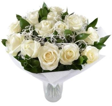15 beyaz gül buketi sade aşk  Konya güvenli kaliteli hızlı çiçek